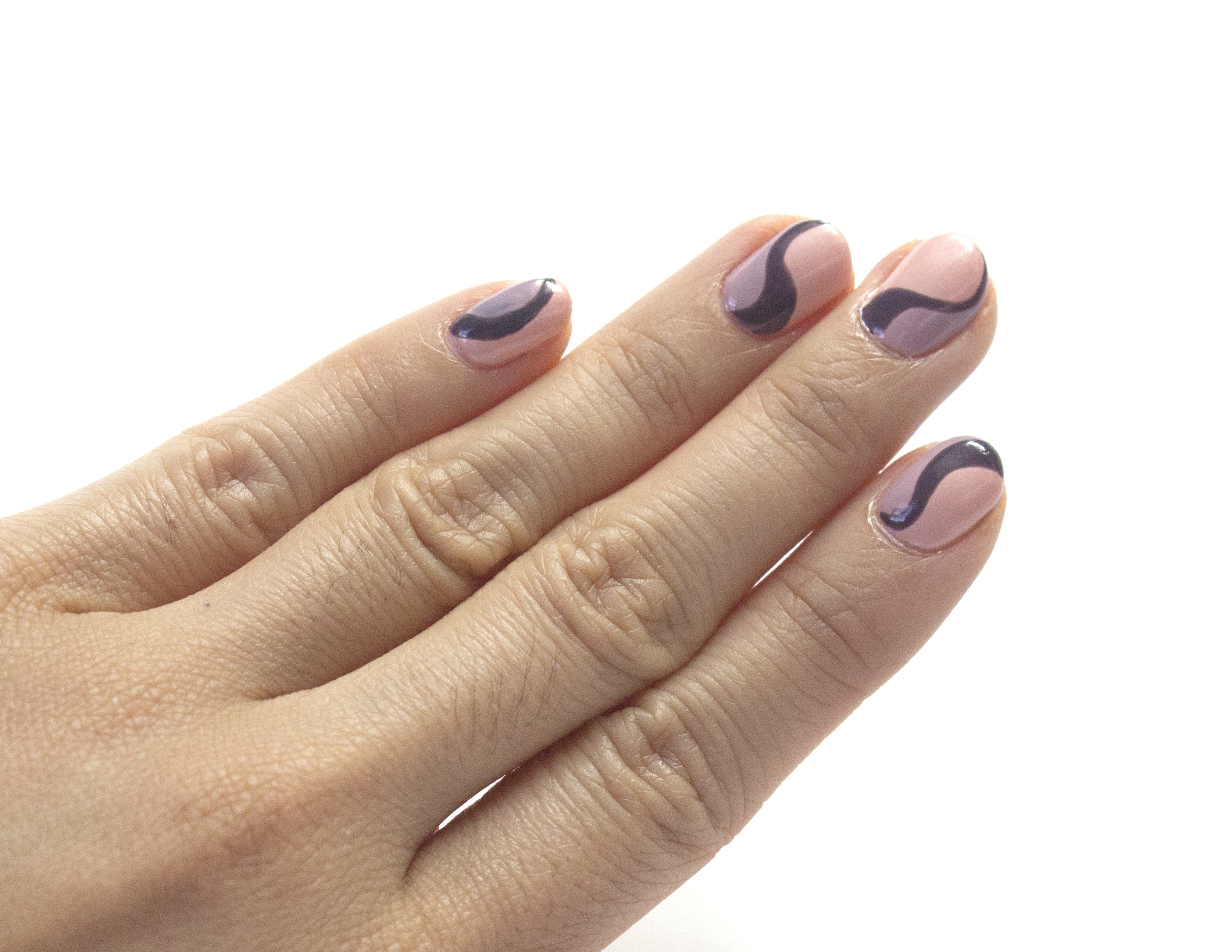 Tip tutorials gelish mini art deco astrowifey using your striper brush dipped in gelish minis jet set paint next to the wave you just created with princess tiara on each nail and cure in gelish led prinsesfo Choice Image